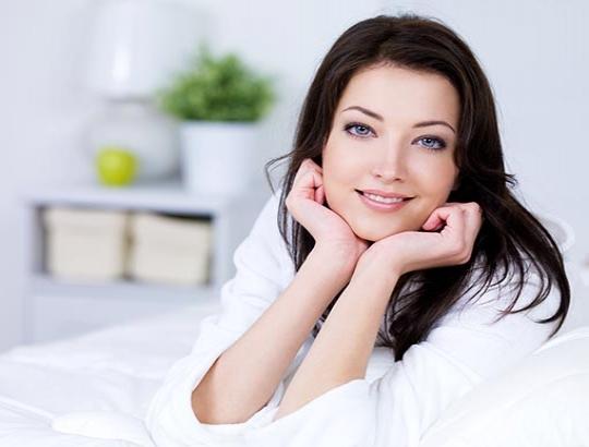 Dormir bem ajuda você ficar mais bonita